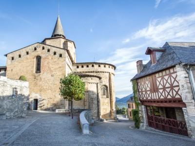 Saint-Savin, Hautes-Pyrénées, Abbaye